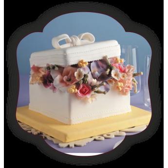 AN4 Tort Gama Elegant Cutie cu flori