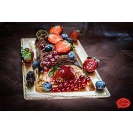 T28 - Rulada cu crema de fructe de padure