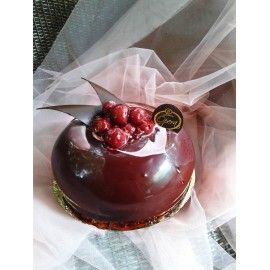 T19 Tort cu Visine si crema de ciocolata