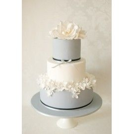 N15 Tort nunta Buchet alb