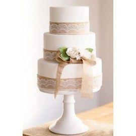 N44 Tort nunta delicat dantela si trandafiri